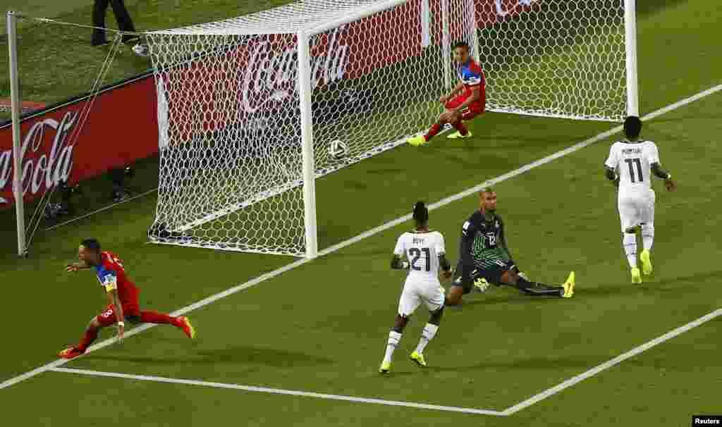 کلنٹ ڈیمپسی کا یہ گول فٹبال ورلڈ کپ کی تاریخ کا پانچواں تیز ترین گول تھا۔