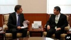 지난해 2월 한국을 방문한 토니 블링큰 미 국무부 부장관(왼쪽)이 서울 외교부 청사에서 조태용 당시 외교부 차관과 회담하고 있다.