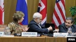 عکس آرشیوی از گفتگوهای هستهای ایران و گروه ۱+۵ در وین - ۲۴ اردیبهشت ۱۳۹۳