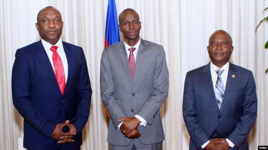 Presiden Haiti Jovenel Moise (tengah) bersama calon PM Haiti, Dr. Jack Guy Lafontant (kanan) hari Kamis (23/2).