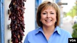Susana Martinez sucederá en el cargo al demócrata también de origen hispano Bill Richardson.