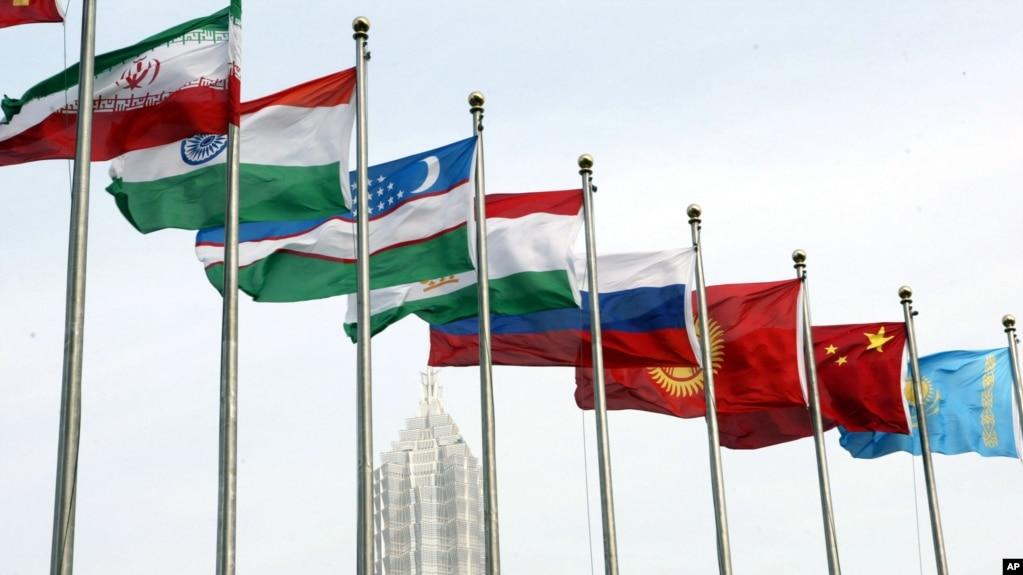 资料照:上海合作组织成员国的国旗