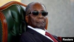 Vaimbove mutungamiri wenyika VaRobert Mugabe vashaya vave nemakore makumi mapfumbamwe nemashanu ekuberekwa.