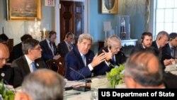 克里国务卿和中方讨论气候变化议题(照片来源:美国国务院)