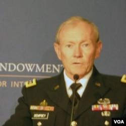 美国参谋长联席会议主席邓普西将军 (美国之音张蓉湘拍摄)