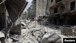 Cuộc nội chiến Syria, kéo dài sang tới năm thứ tư, đã gây tử vong cho hơn 160.000 người.