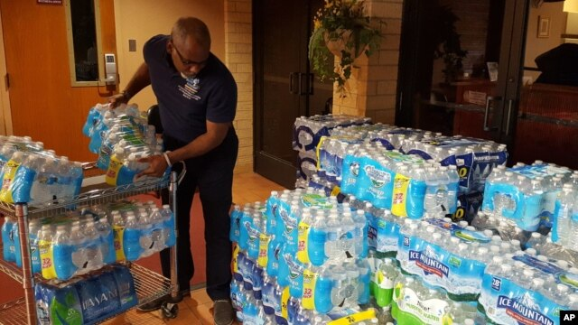 Water is donated to Flint, Michigan, for residents unable to drink water from their pipes.