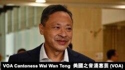 香港和平佔中發起人戴耀廷獲准保釋後表示,仍然會堅持公民抗命的理念與香港人同行 (攝影:美國之音湯惠芸)