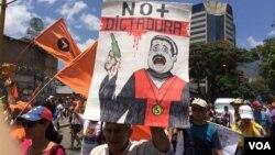 Las últimas decisiones del gobierno de Venezuela ha generado protestas en la calles de su capital Caracas. Foto: Álvaro Algarra/VOA