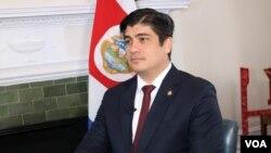 El presidente de Costa Rica, Carlos Alvarado Quesada, en entrevista exclusiva con la Voz de América habló de seguridad, inmigración, la crisis en Venezuela yNicaragua, y los retos que enfrenta su país.