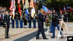 奥巴马在阿灵顿公墓向近2200万美国老兵致敬