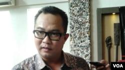 Pengamat kelautan Arif Satria (VOA/Iris Gera)