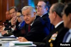 El presidente de México, Andrés Manuel López Obrador, habla durante un desayuno de trabajo con el secretario de Estado de los Estados Unidos, Antony Blinken, en el Palacio Nacional en la Ciudad de México, México, el 8 de octubre de 2021.