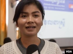 Sin Chanpao Razath, the deputy commune chief in O'Char commune, Battambang province, is one of several up-and-coming councilors in the Cambodia National Rescue Party's arsenal. (Leng Len/VOA Khmer)