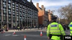 La police londonienne devant la parlement britannique, 23 mars 2017.