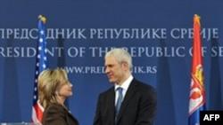 ABŞ dövlət katibi Balkanlara səfərini Kosovoda başa vurub
