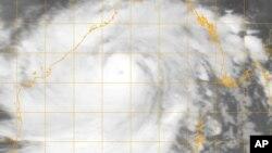 美國海軍實驗室2013年10月11日圖片顯示特強氣旋 正向印度東部移動。