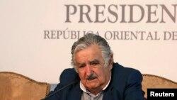 El presidente José Mujica dijo que los seis detenidos podrán quedar o irse del país cuando lo quieran hacer.