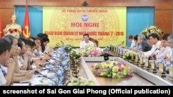 Quyền Bộ trưởng TT-TT Nguyễn Mạnh Hùng tại hội nghị hôm 10/8/2018