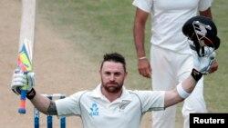 Atlet kriket Selandia Baru, Brendon McCullum, dalam sebuah pertandingan di Wellington, Februari 2014.