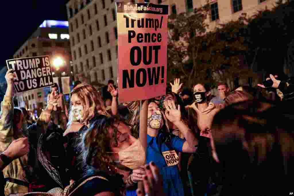 Batelemeli bazali na milulu na esika ekoma kobengama Black Lives Matter, na Washington, 4 novembre 2020.
