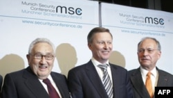 Генри Киссинджер, Сергей Иванов и председатель Мюнхенской конференции Вольфганг Ишингер