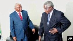 Armando Guebuza e Afonso Dhlakama durante o encontro de Nampula (arquivo)