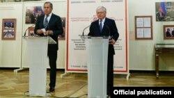 Sergey Lavrov və Edvard Nalbandyan