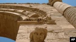 قاچاق و فروش آثار تاریخی هم یکی از منابع عایداتی داعش محسوب می شود