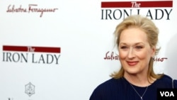 "Meryl Streep na premijeri filma ""The Iron Lady"" u New Yorku, 13.12.2011. (AP)"
