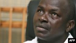 Tuo Fozie, directeur général des Forces nouvelles s'entretient avec un groupe de journalistes à Bouaké, le 3 janvier 2007.