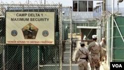La Casa Blanca dice que las conclusiones en los documentos filtrados no necesariamente eran las mismas que las del grupo de revisión sobre Guantánamo.