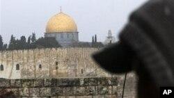 اسرائیل: پولیس کا فلسطینی مظاہرین پر دھاوا