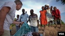 El ministro de Salud de Haití, Dr. Alex Larsen, dijo que las cepas de cólera pueden esparcirse a diferentes áreas a través de viajes.