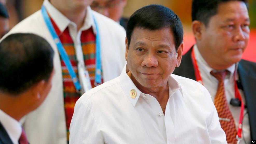 Tổng thống Philippines Rodrigo Duterte đến tham gia các cuộc gặp song phương với các nhà lãnh đạo ASEAN bên lề Hội nghị ASEAN ở Vientiane, Lào, 6/9/2016.