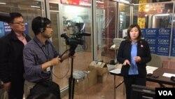 2016年大选前夕,孟昭文众议员在选区举行记者会并接受VOA专访。(美国之音方冰拍摄)