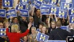 Hillary Clinton también recibió el apoyo del Des Moines Register, el sábado y del Concord Monitor, horas antes del Boston Globe, el domingo.