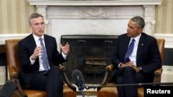 ینس استولتنبرگ دبیرکل ناتو (چپ) در ابتدای سفر خود به آمریکا، روز دوشنبه با پرزیدنت اوباما در کاخ سفید دیدار کرد