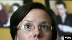 Sarah Shourd (foto: dok) diminta kembali ke Iran untuk diadili pada tanggal 6 Februari mendatang.