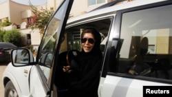 په سعودي عرب کې به ښځې د راتلونکي کال د جون د میاشتې راهسې ګاډي چلولی شي