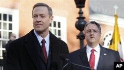 Senator Rich Madaleno (kanan) dan Gubernur Maryland Martin O'Malley berbicara untuk memberikan dukungan bagi perkawinan sesama jenis dalam konferensi pers bersama di Annapolis, Maryland (foto:dok)