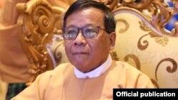 မႏၱေလးတုိင္း ၀န္ႀကီးခ်ဳပ္ ေဒါက္တာေဇာ္ျမင့္ေမာင္။ (ဓာတ္ပံု - Dr Zaw Myint Maung's facebook - ဒီဇင္ဘာ ၀၄၊ ၂၀၂၀)