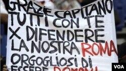 Los hinchas de la Roma, equipo en donde juega Totti ya critican el listado que dio a conocer Marcelo Lippi y que excluye al jugador italiano.