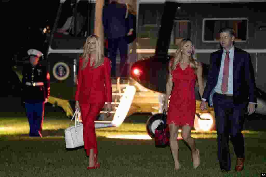 بازگشت ایوانکا ترامپ، فرزند و مشاور ارشد رئیس جمهوری آمریکا به همراه اریک ترامپ و همسرش از فلوریدا.