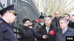 QHT nümayəndələrinin Prezident Administrasiyası qarşısında aksiyası