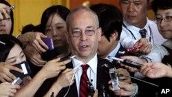 대니얼 러셀 미국 국무부 동아시아태평양 담당 차관보가 6일 한국 외교부 차관보와 면담 후 기자단의 질문에 답하고 있다.