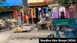Le marché chinois à Dakar, Sénégal, le 11 février 2020. (VOA/Seydina Aba Gueye)