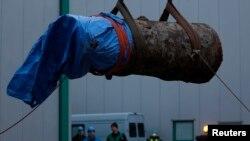 Bom Perang Dunia II seberat 1,8 ton yang ditemukan November 2013 di Dortmund, Jerman dan berhasil dijinakkan (foto: ilustrasi). Sebuah bom PD II lainnya ditemukan di Berlin Kamis (24/11).