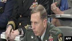 美国中央司令部司令彼得雷乌斯(档案照)