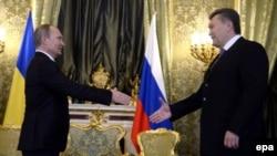 ویکتور یانوکویچ رئیس جمهوری اوکراین روز سه شنبه در کاخ کرملین با ولادیمیر پوتین رئیس جمهوری روسیه دیدار کرد.